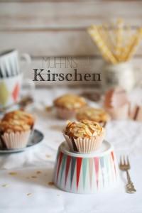 Muffins mit Kirschen und Mandeln