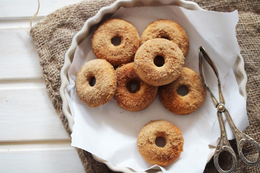 Donuts mit braunem Zucker