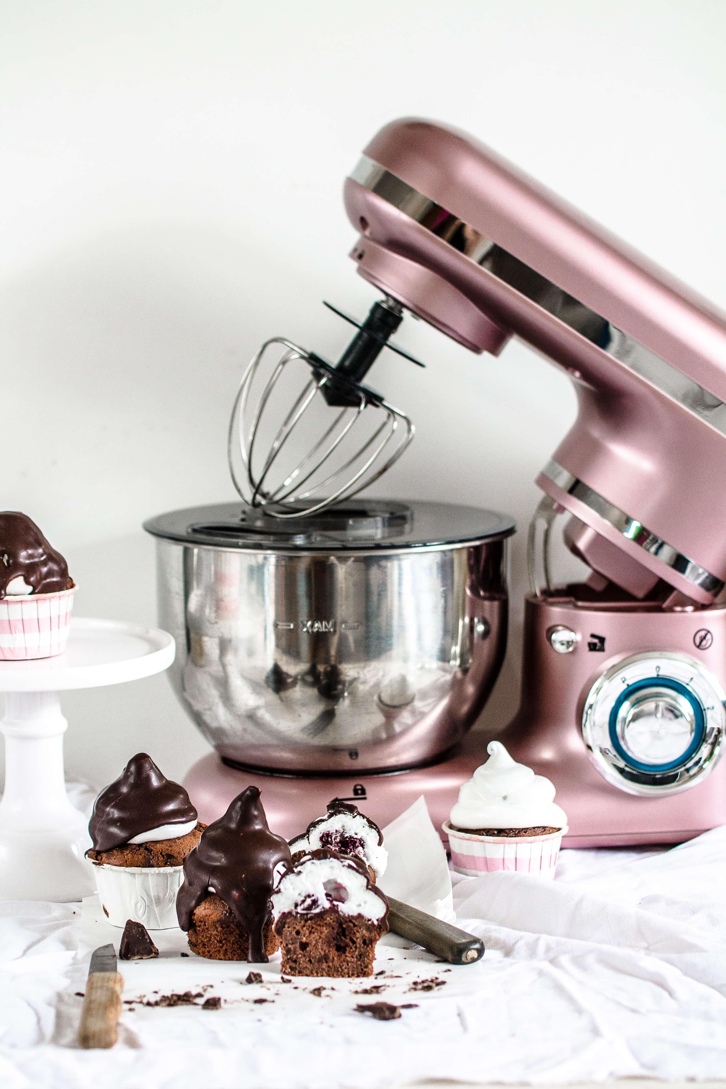 Schwarzwälderkirsch Cupcakes {Gewinne Eine Retro U2013 Küchenmaschine}