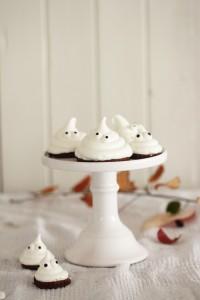 Halloween Meringue Ghost Cookies